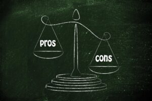 Pros-and-Cons-of-desk-management